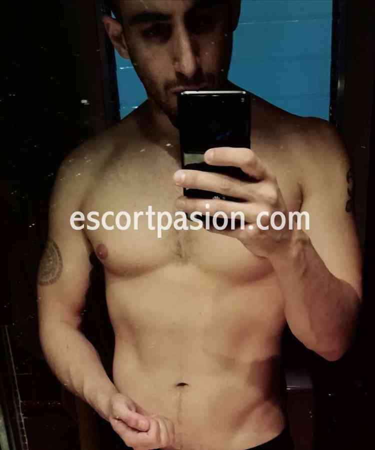 Tall cuál me ves 100 x 100 real escort gay en Barcelona