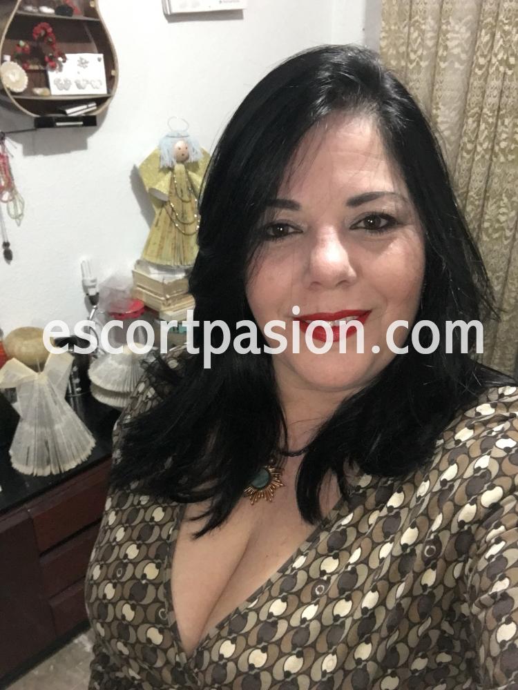 masajista erótica experta en jelquing en Granda - agrandar pene