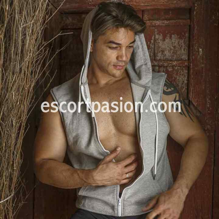 Hugo polp Bianco - Escort gay con clase