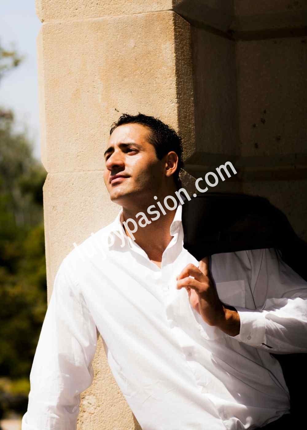 Alex..(hetero) solo chicas y parejas - Escort hombre con estilo en Barcelona