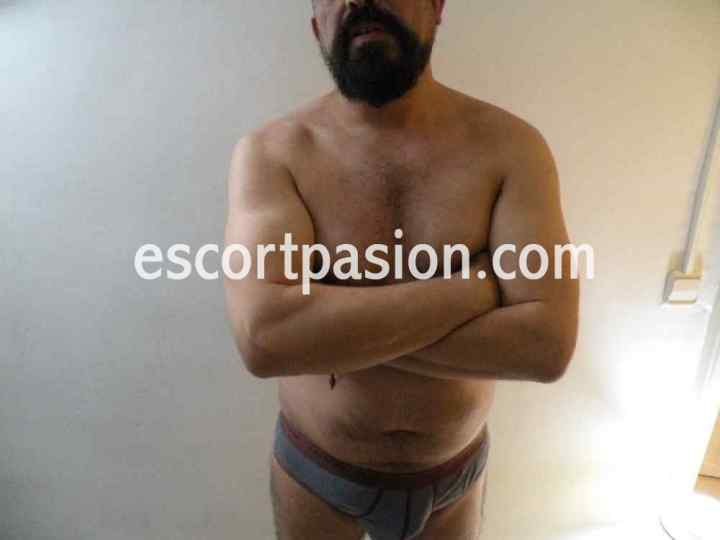 gay de buen cuerpo puede darte masajes eróticos con final feliz