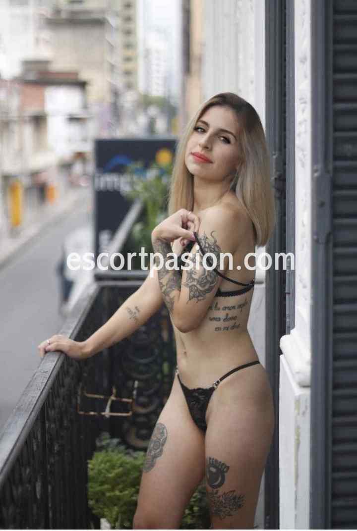 webcams de cuerpos tatuados son unas guarras y muy zorras en el sexo