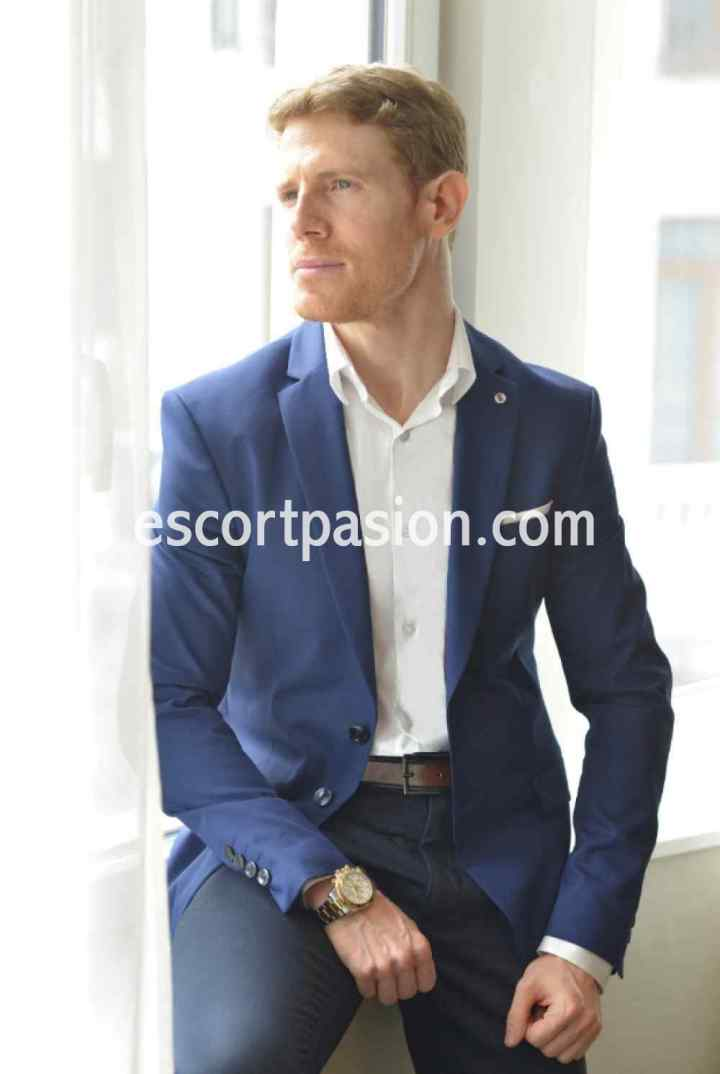 Javier - Escort masculino con clase español