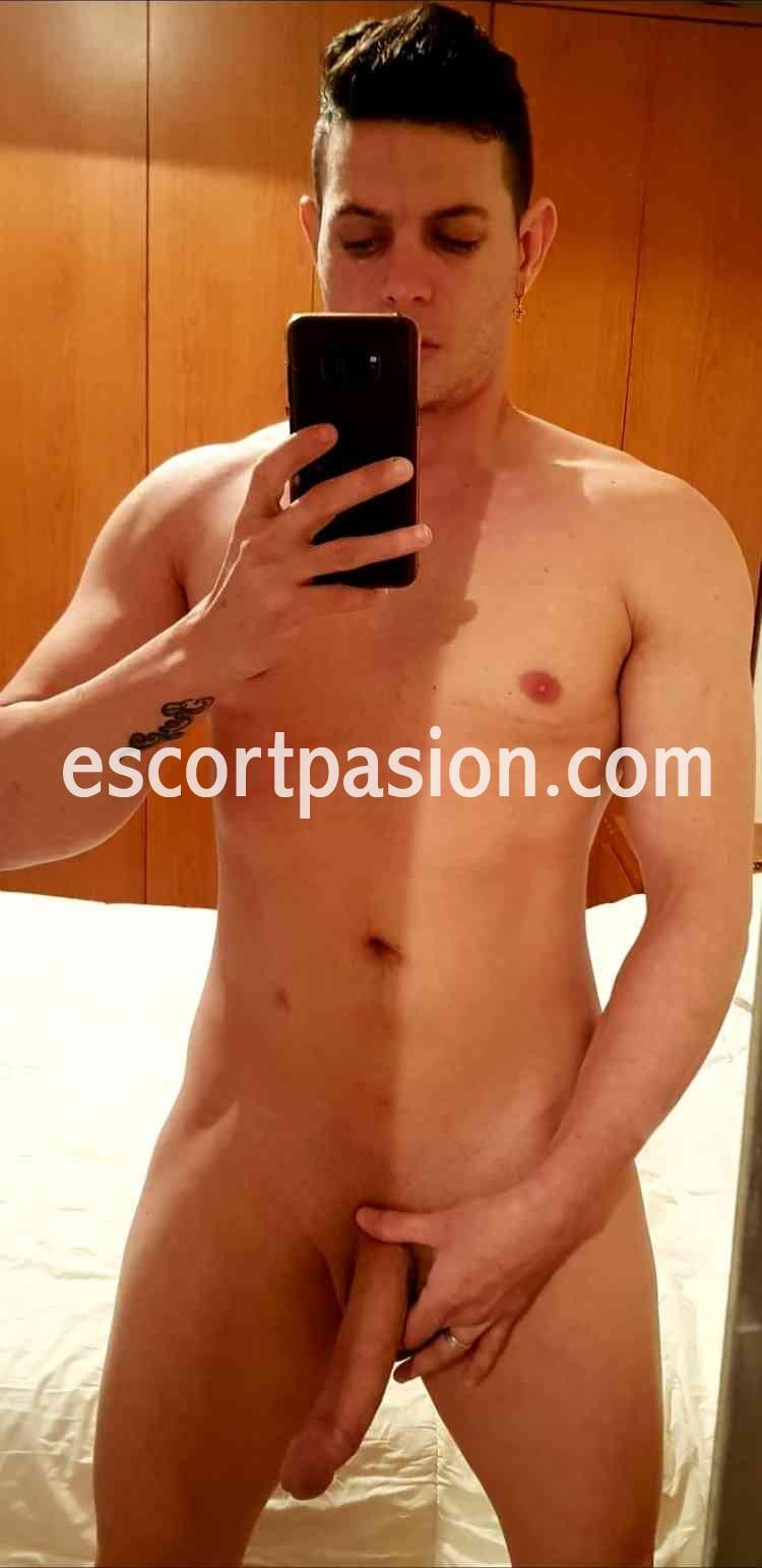 gay Colombiano de polla grande le gusta que se la metan por el culo