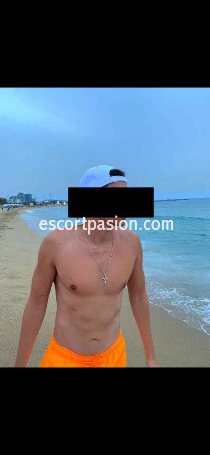 gigolos españoles busvcan sexo bueno y divertido